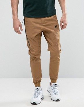 Nike_Woven_Chinos